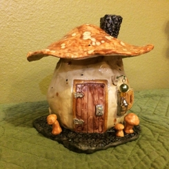 MushroomHouse01