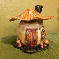 MushroomHouse01
